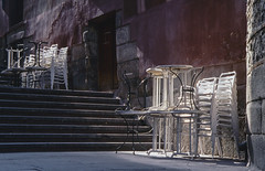 Madrid, Barrio de los Austrias. (fcuencadiaz) Tags: analogica fotografiaargentica film plustek pelicula madrid paisajesurbanos diapositiva diapositivasescaneadas canoneos60