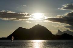 Atardecer en la playa de Niteroi (GeorgeShell) Tags: riodejaneiro rio brasil brazil sunset atardecer sol sun sea mar