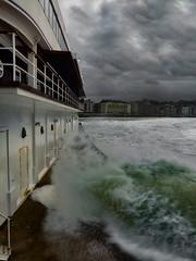 ... La Tempestad ... (Lanpernas .) Tags: temporal olas wave arquitectura racionalismo donostia donosti sansebastian sansebastián naútico edificio tempestad laconcha 2018