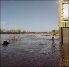 Rolleis Winter (07) High Water (Hans Kerensky) Tags: rolleiflex 35c tlr schneider xenotar fuji pro 160ns plustek opticfilm 120 january 2018 arcen nl river maas high water level