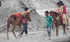 horses🐴 (sufihalua) Tags: horses ride dust females boys colors