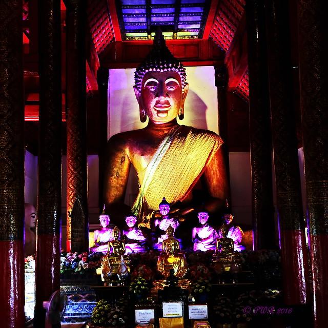 Wat Pa Khao. วัดผ้าขาว large image