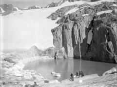 Rhonegletscher, See am Thälistock (eduard43) Tags: gletscher fels alpinisten menschen eis ice glacier rhonegletscher 1918 ethfotoarchiv