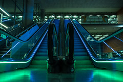 Stairway to Heaven (SLX_Image) Tags: airport mad madrid madridbarajas spain aeroporte escalator