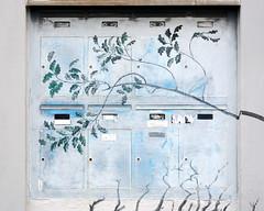 waiting for mail (Rosmarie Voegtli) Tags: mailboxes zurich altstadt urban oberezäune art streetart kunst strollingaround verenaloewensberg