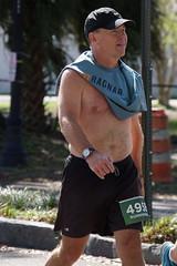 117 Rock 'n' Roll Marathon (Omunene) Tags: humanarocknrollmarathonneworleans2018 brooks race marathon 42195k 26219m esplanadeavenue faubourgstjohn neworleans runners shirtless pecs nipples navel bellybutton chest