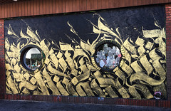 Golden Circle(s) by Defer (wiredforlego) Tags: graffiti mural streetart publicart chicago illinois ord defer gold