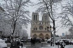 Paysage Notre-Dame (Lamia A) Tags: paris snow love white january neige hiver winter tourism tourist touristes notredame métro ratp cité