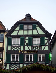 Pharmacie [Obernai - 7 December 2017] (Doc. Ing.) Tags: halftimberedhouse wood halftimbered 2017 france alsace obernai town christmas grandest basrhin sélestaterstein architecture building façade greenshutter upper rhine