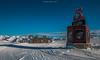 Les Six Belles de Maurienne (Frédéric Fossard) Tags: sky snow landscape paysage ski stationdeski altitude horizon snowcapped montagne mountain pistedeski skitrack alpes savoie maurienne lessybelles fériadescimes enseigne totem hiver winter sportdhiver animation événementiel domaineskiable resort tourisme vacances