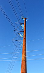 HTT - Tall Rusty Pylon (chauvin.bill) Tags: htt telegraphtuesday rust insulators