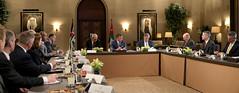 جلالة الملك عبدالله الثاني يستقبل وفد كبار الضباط بجامعة الدفاع الوطني الأميركية (زملاء كابستون) برئاسة الفريق أول المتقاعد غريغوري مارتن (Royal Hashemite Court) Tags: kingabdullahii us delegation capstone fellows jordan