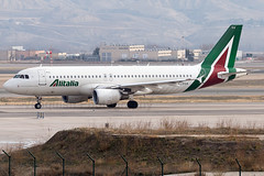 EI-DSA Alitalia A320-200 Madrid Barajas Airport (Vanquish-Photography) Tags: eidsa alitalia a320200 madrid barajas airport lemd mad madridbarajas madridbarajasairport madridairport barajasairport vanquish photography vanquishphotography ryan taylor ryantaylor aviation railway canon eos 7d 6d aeroplane train spotting