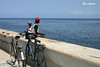 Pescando en el malecón (Eva Cocca) Tags: malecón lahabana cuba pescando pescadores fishing havana viajes travel