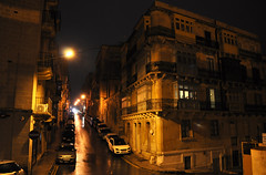 Valletta on a rainy night (DameBoudicca) Tags: malta malte マルタ valletta lavaleta lavalette lavalletta バレッタ night natt nacht notte nuit noche 夜 rain regn regen lluvia pluie pioggia 雨 あめ