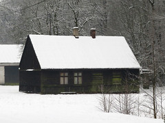 Chata (maciey24) Tags: hut snow śnieg dom house zima winter drewniana drewniany wieś countryside chata chatka