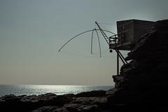 Pêchons (Verstoli) Tags: mer ocean peche cabane maison couché soleil france sable plage rocher bleu vacances