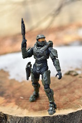 DSC_0258 (TheGame21x) Tags: halo4 halo5 halo actionfigures figures figurines toys dolls nature snow cold videogames games gaming nikon nikond3400 dslr nikonphotographywoodmossbluesoldiermasterchief haloactionfigures bokeh d3400 dslrphotography toyphotography unsc outdoors wooden natural 35mm 35mmlens