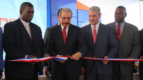 Danilo Medina entrega elevado La Caleta; ciudadanos ahorrarán tiempo y dinero