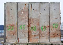 201 (peterpe1) Tags: hafen wall beton numbers nummern flickr peterpe1