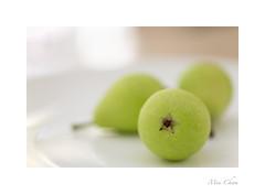 Miniature Pears (Meu :-)) Tags: macromondays speckled miniaturepear condensation soft whitespots sundaylights