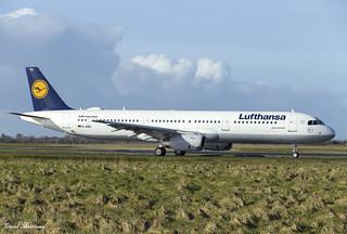 Lufthansa A321-200 D-AIDQ