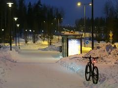 2018 Bike 180: Day 37, February 16 (olmofin) Tags: 2018bike180 finland bicycle polkupyörä espoo snow lumi shared path pyörätie lumikasa pile bus stop bussipysäkki linjaautopysäkki mzuiko 45mm f18 uusmäki lintuvaara