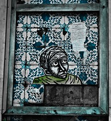 Lisbon Story (El que retrata) Tags: rawtherapee lisbon portugal graffiti window tile ble green ceramica sticker beauty story azulejos portuguese art blueandwhite stone polished azzulayj decoration old oblivion