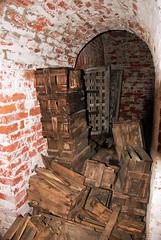 (Sameli) Tags: crimean war era ammunition boxes box decay old abandoned military building fortification ue urban exploration history architecture island kuninkaansaari suomi finland