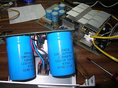 Huge capacitors in HP64000 power supply, 1981? @verdebinario (Museo dell'Informatica Funzionante) Tags: musif miai freaknet dyneorg trasformatorio