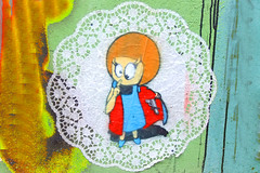 El Bocho Little Lucy in Hamburg (Marco Braun) Tags: streetart graffiti schwarz colourful coloured farbig bunt couleures face gesicht opart 2015 walart urbanart elbocho schablone pochoire stencil hamburg girl mädchen frau femme women black white weiss blanche noire rot rosso rouge berlin deutschlandgermanyallemagne