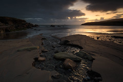St Finians Bay (Graham Daly Photography) Tags: canon6d grahamdalyphotography landscapephotography seascapes ballinskelligs eveninglight irishlandscapes irishphotographer landscapesofireland outdoors ringofkerry skelligdrive skelligs stfiniansbay waves wildatlanticway winterlight sunset twilight nisifilters rolleirocksolidalphatripod beach countykerry