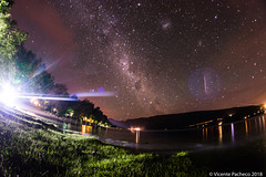 2018 Coñaripe-1 (Vicente Pacheco Escalona) Tags: star trails chile startrail birds south lake calafqen calacquen calafquen long exposure longexposure exposicion estrellas sky cielo stars