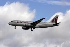 A7-ADA (FabioZ2) Tags: londra airbus a320232 qatar cn1566 atterraggio