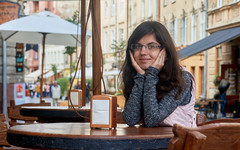 Happynes in Lviv (Silvio Manuele) Tags: sonynex nex5n girl portreit sel1800 lviv