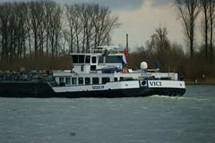 TMS VICI (Lutz Blohm) Tags: tmsvici tankschiff rheinschifffahrt rhein gütermotorschiff binnenschiffe binnenschifffahrt fluskilometer394 fe70300goss sonyalpha7aii