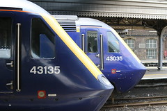 First Great Western 43135 43035 @ London Paddington (uksean13) Tags: 43135 43035 london paddington firstgreatwestern hst125 diesel canon 760d ef28135mmf3556isusm train transport railway rail