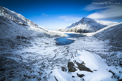 Pen Yr Ole Wen (marc_leach) Tags: snowdonia nationalpark llynidwal devilskitchen penyrolewen snow winter landscape northwales lake mountain