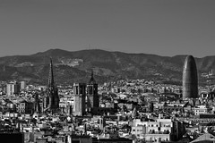 Skyline 2 (Wizard7oz) Tags: barcelona city life light nikon d90 street streetlife streetphoto urban bw blackandwhite white summer