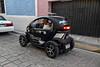 The terrific little electric car of the Campeche police (Chemose) Tags: mexico mexique yucatán campèche voiture police car twizy électrique electric renault canon eos 7d mars march