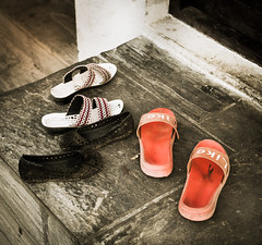 Sandals and Shoes - Pharping Monasteries - Nepal_Web 1 (johann.kisaame) Tags: 2017 black nepal pharping red temple sandals shoes sony sonyalpha6000 sonya6000 sel35f18 sel35