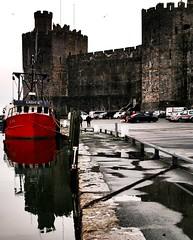 Lady K (Rhisiart Hincks) Tags: caernarfon gwynedd ue eu ewrop europe eòrpa europa aneoraip a'chuimrigh kembra wales cymru kembre gales galles anbhreatainbheag 威爾斯 威尔士 ουαλία velsa velsas уельс уэльс велс уелс cwch bàta bag boat castell kastell castle caisteal gaztelu harbwr porzhmor itsasportu harbour calafort port cei cidhe quay kae