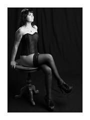 Arianne (Knipsbildchenknipser) Tags: girl female nude akt sw schwarzweiss monochrome bw blackandwhite blackwhite portrait