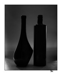 Scène 58 - 2 pièces (gravelin.yves) Tags: naturemorte nikon d850 bouteille