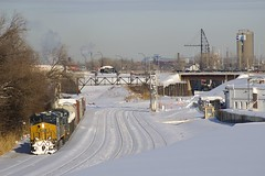 Already lined to back up (Michael Berry Railfan) Tags: csx csxt cn543 cn canadiannational montreal montrealsub montrealwest quebec train freighttrain ge generalelectric es44ac es44ah csxt3224 ac4400cw