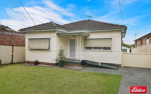 2 Greenacre Rd, Greenacre NSW 2190