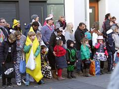 Karneval in Mönchengladbach - 2018 (borntobewild1946) Tags: karneval 2018 veilchendienstag mönchengladbach moenchengladbach nrw nordrheinwestalen rheinland niederrhein karnevalszug jecke narren karnevalstreiben haltpohl allrheydt rheydt copyrightbyberndloosborntobewild1946 moenchengladbachluepertzenderstrasse mönchengladbachlüpertzenderstrase