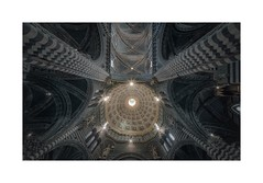 Holy Light In Siena (W.Utsch) Tags: tuscany toscana siena duomo cathedral interiors voigtländer hyperwide upwards architecture sunstars