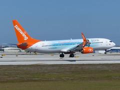 B738 C-GOWG (gulfstreamchaser) Tags: cgowg boeing 737 737800 sunwing kfll fll fortlauderdale