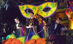 I'm Just Wild About Harry! (BKHagar *Kim*) Tags: bkhagar mardigras neworleans nola la parade orpheus kreweoforpheus harryconnickjr cofounder musician crowd party celebration night beads float throws street napoleon uptown